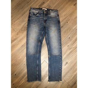 🔥SALE- any 4/$20   Zara straight leg jean